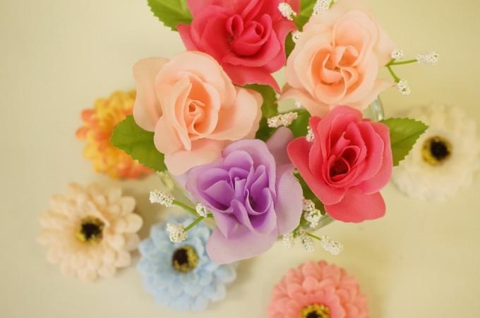 Sztuczne kwiaty / źródło: www.pixabay.com