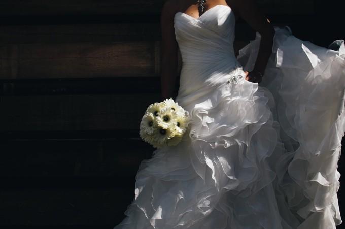 Suknia ślubna / źródło: www.pixabay.com