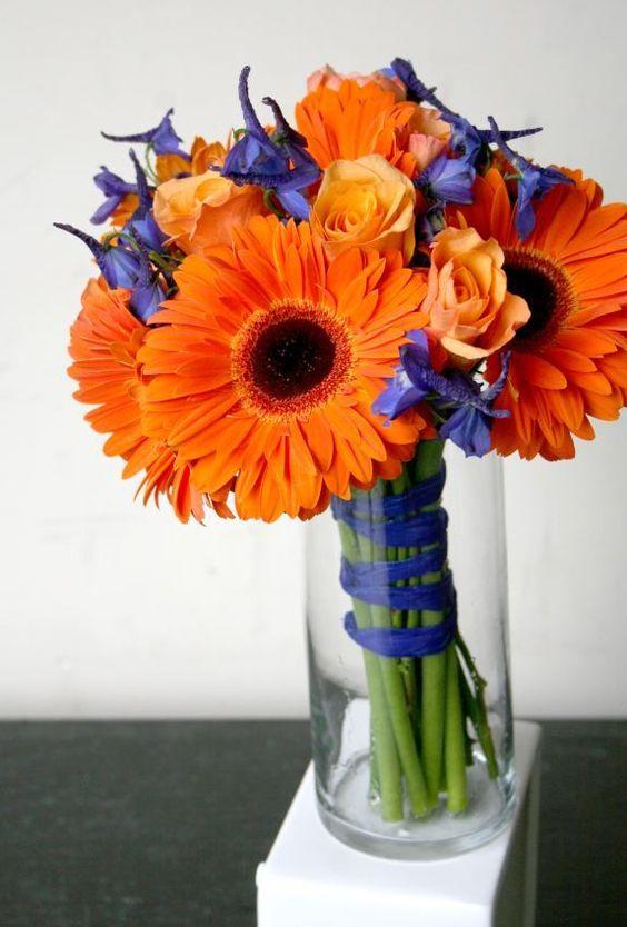 Połączenie gerberów z różami / źródło: whatcomflowers.net