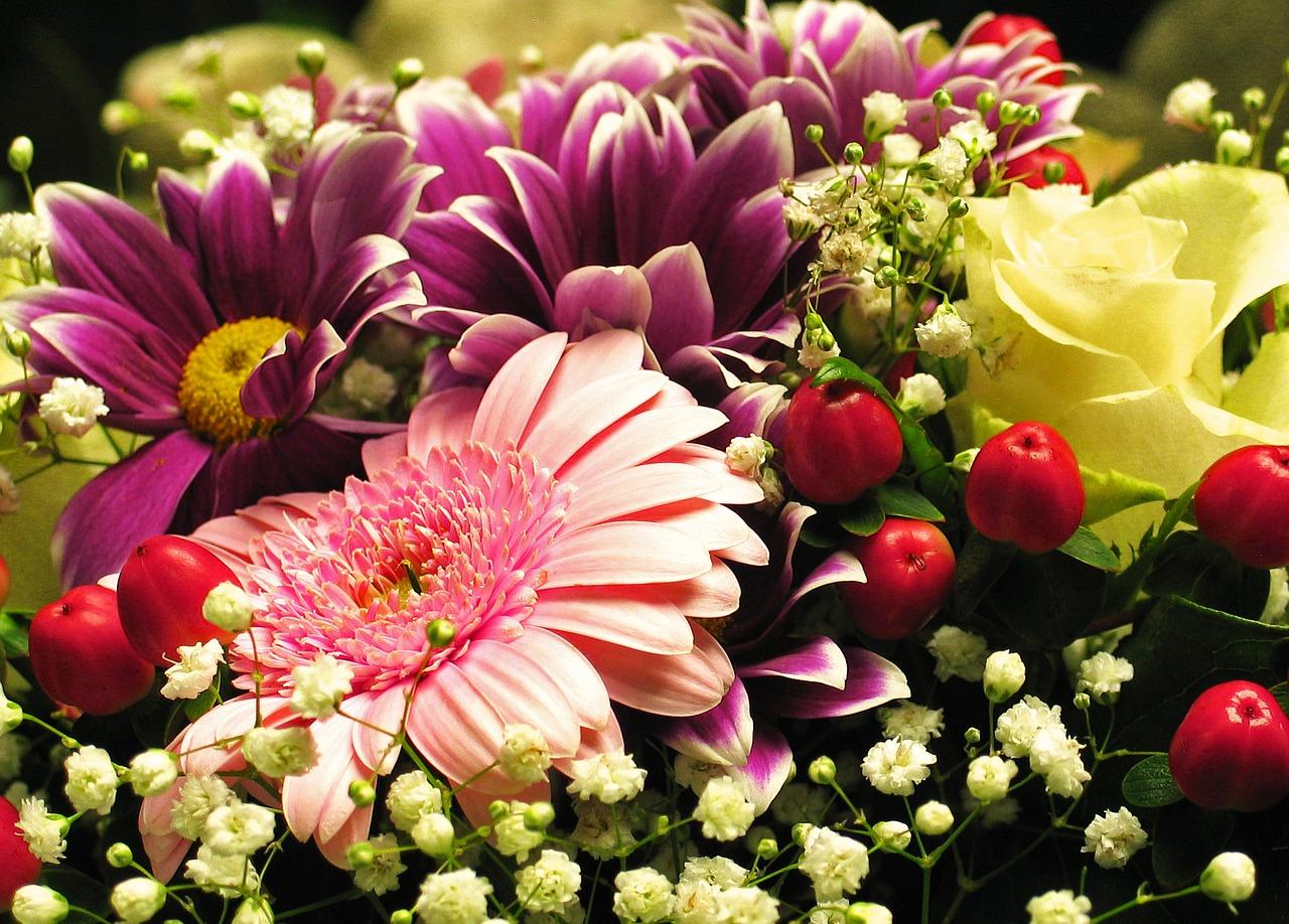 Prezent na imieniny- kwiaty to zawsze dobry poomysł