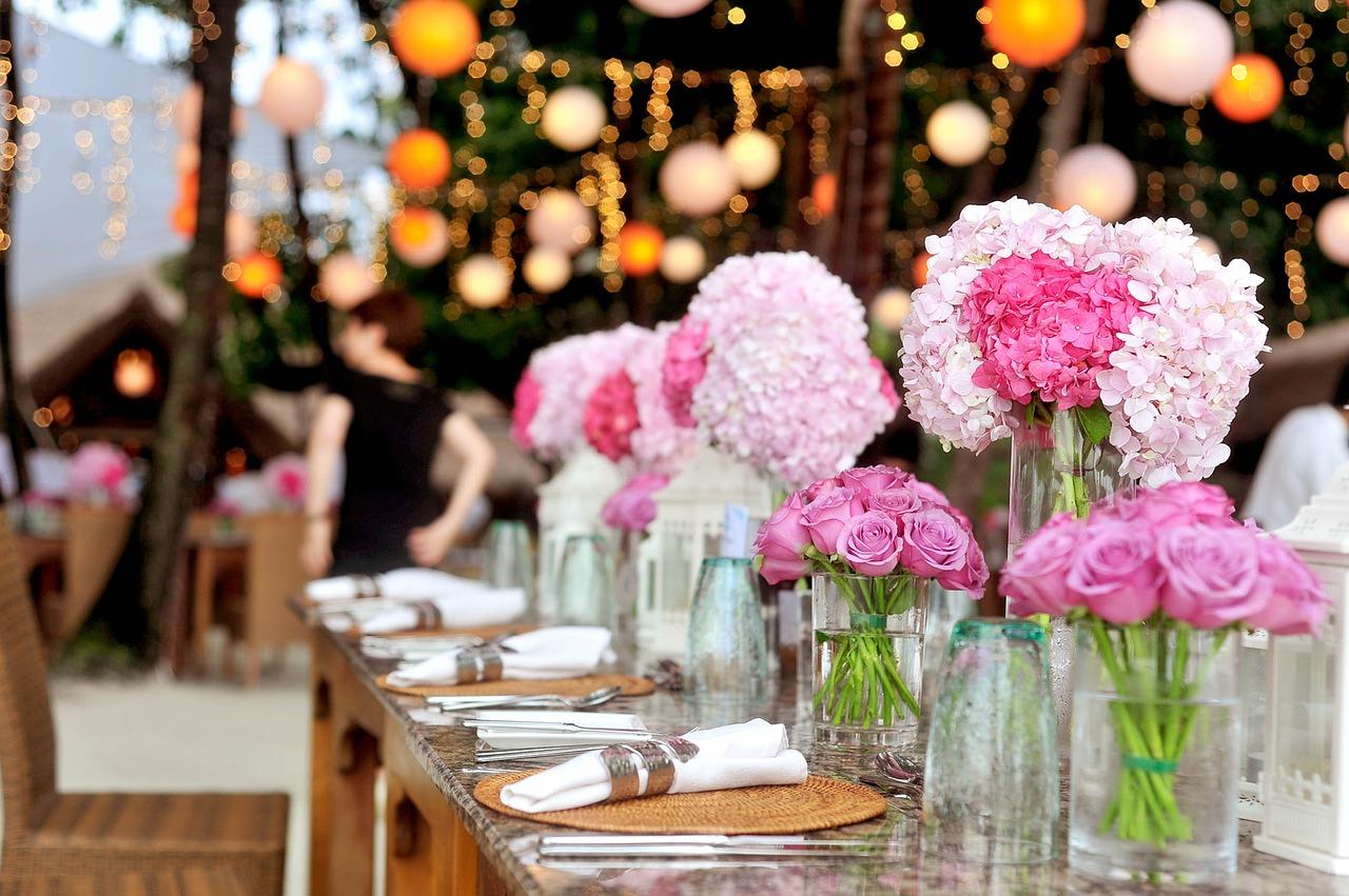 Kwiaty na ślub to nie jedynie bukiety